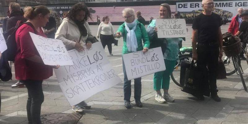 Demonstration for hurtigere behandling af sager om fleksjob og førtidspension
