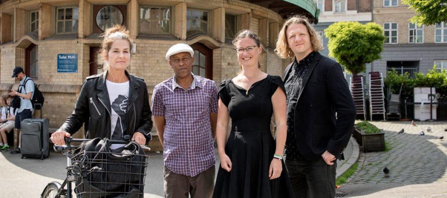 Karina Vestergård Madsen, Hassan Nur Wardere og David Trappaud Rønne fra Enhedslisten Østerbro med Teknik- og miljøborgmester for Enhedslisten Ninna Hedeager Olsen (i midten til højre).